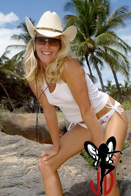 Anne Marie - Roxy Sunnies Shoot